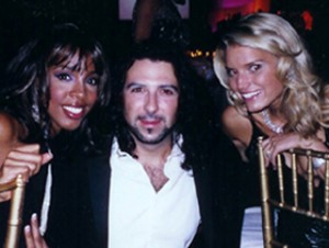 Billy Mann with Kelly Rowland & Jessica Simpson.