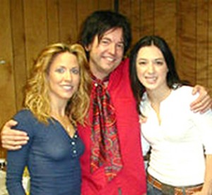 Jeff Trott with Sheryl Crow and Michelle Branch.