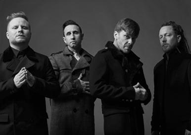 Shinedown: Zach Myers, Eric Bass, Brent Smith, Barry Kerch