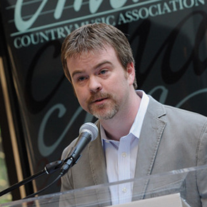 Ben Vaughn, speaking at a CMA event.