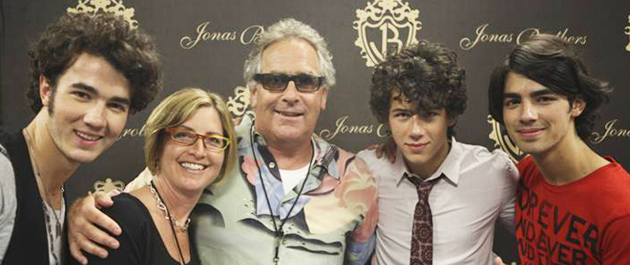 Pictured (l-r): Kevin Jonas Jr., Sue Drew (ASCAP VP of Pop & Rock Membership), Jon Lind, Nick Jonas and Joe Jonas.